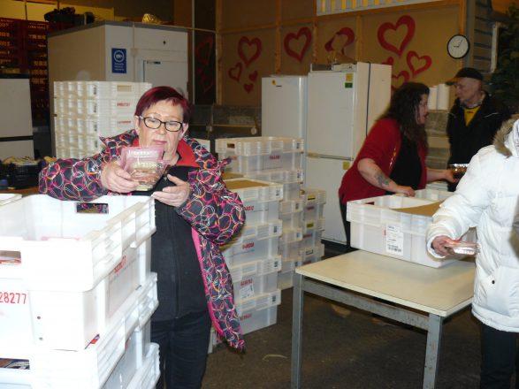 Sinikka Backman: Mietteitä leipäjonon liepeiltä